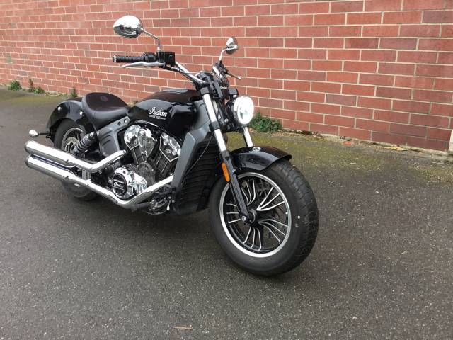 2017-Indian-Thunder-Black-Scout-