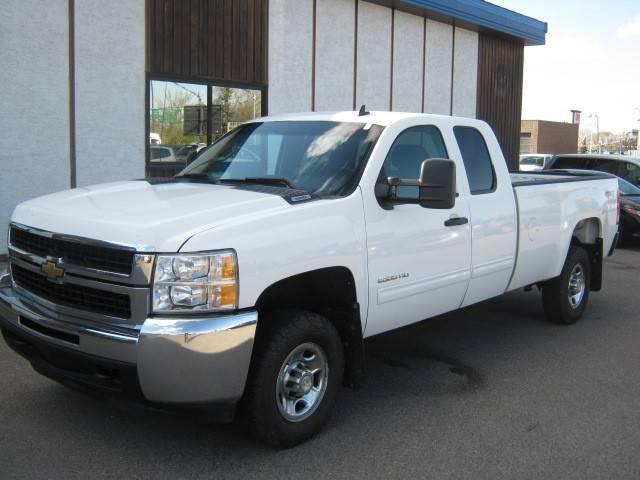 2010-Chevrolet-Silverado-2500HD-