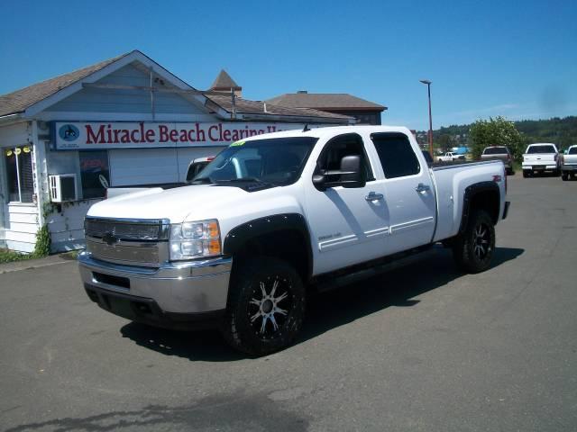 2011-Chevrolet-Silverado-2500-