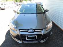 2012 Ford  TITANIUM FULLY LOADED MINT