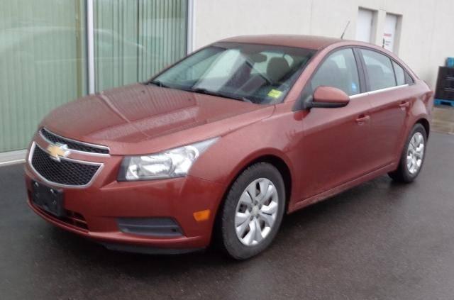 2012-Chevrolet-Cruze-