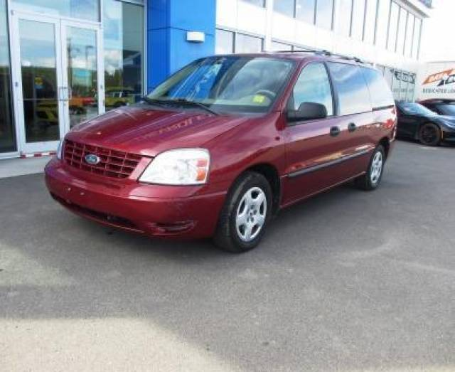 2004-Ford-Freestar-