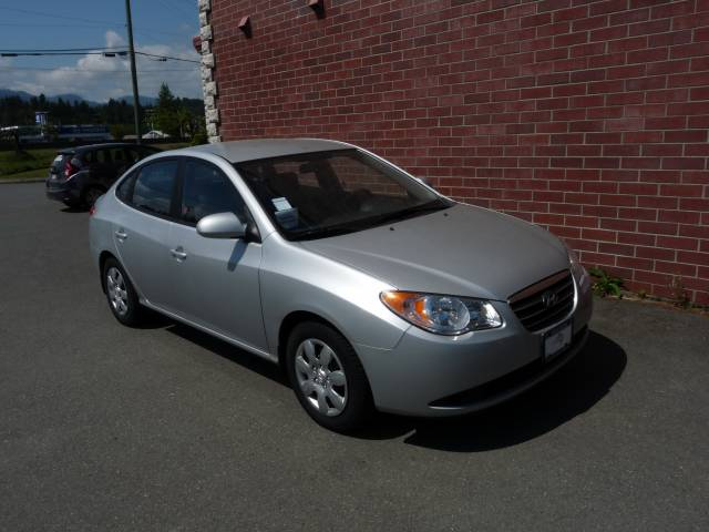 2009-Hyundai-Elantra-