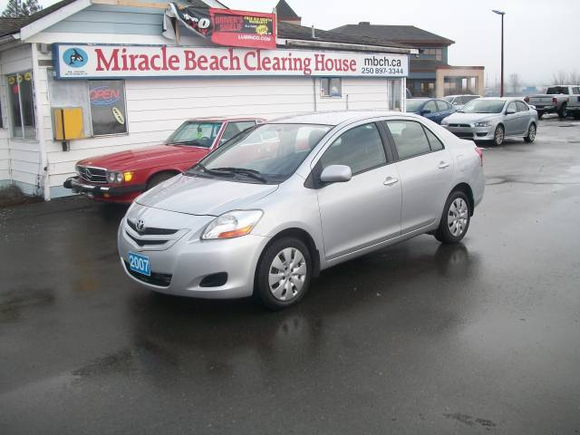 2007-Toyota-Yaris-