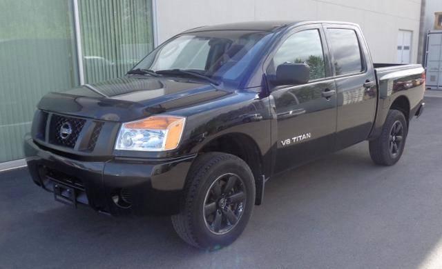 2011-Nissan-Titan-