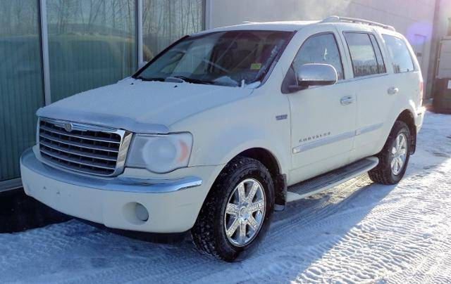 2009-Chrysler-Aspen-