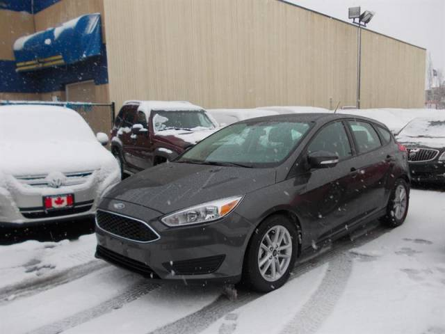 2016-Ford-Focus-Hatchback-