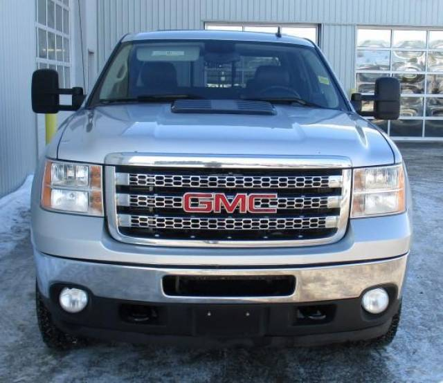 2012-GMC-Sierra-3500HD-