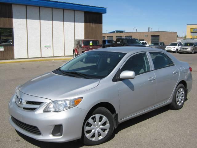 2012-Toyota-Corolla-