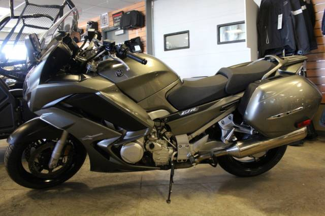 2013-Yamaha-FJR1300-