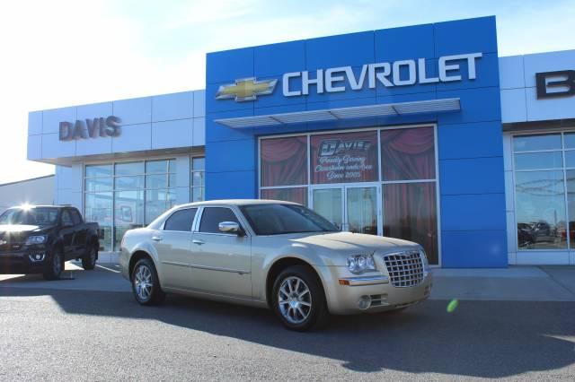 2010-Chrysler-300C-