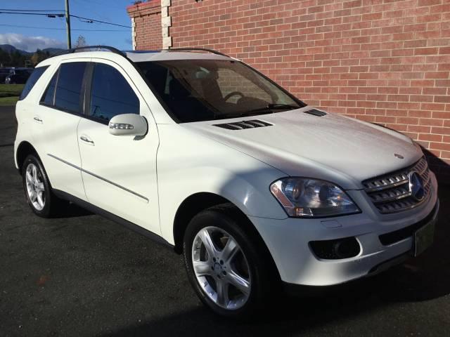 2008-Mercedes-Benz-ML320-