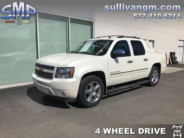 2012-Chevrolet-Avalanche-